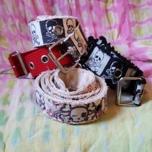 Bundle of 4 canvas belts